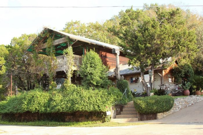 1. Robin's Nest Bed and Breakfast
