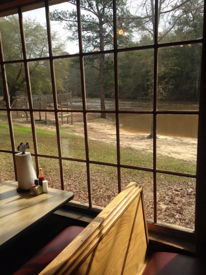 4. Chunky Shoals Fish Camp (13221 Hwy 80 W, Chunky)