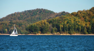 The Little Known Lake In Tennessee That'll Be Your New Favorite Summer Destination