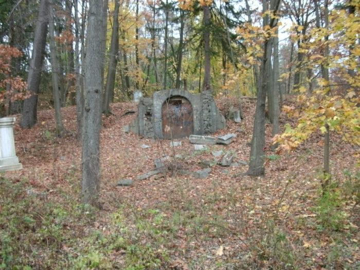 4. Vale Cemetery - Schenectady