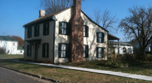 The Story Behind West Virginia's Most Haunted House Will Give You Nightmares