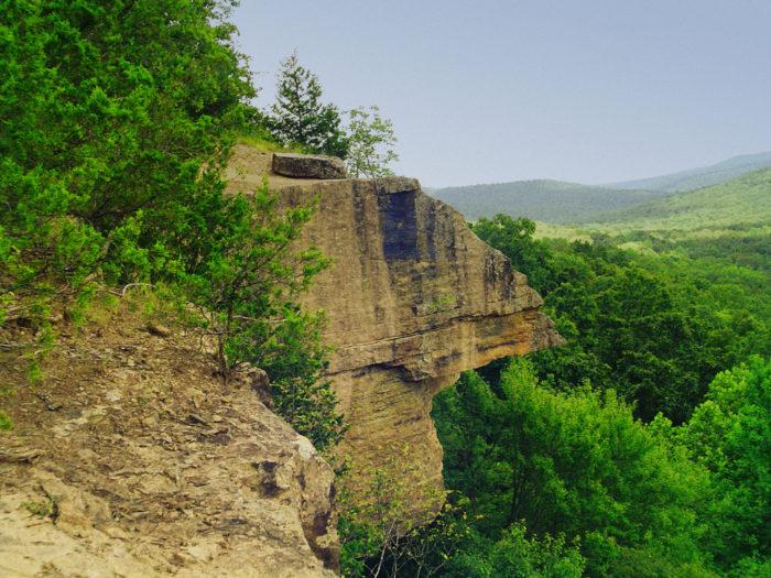 2. Yellow Rock Trail (Devil's Den State Park)