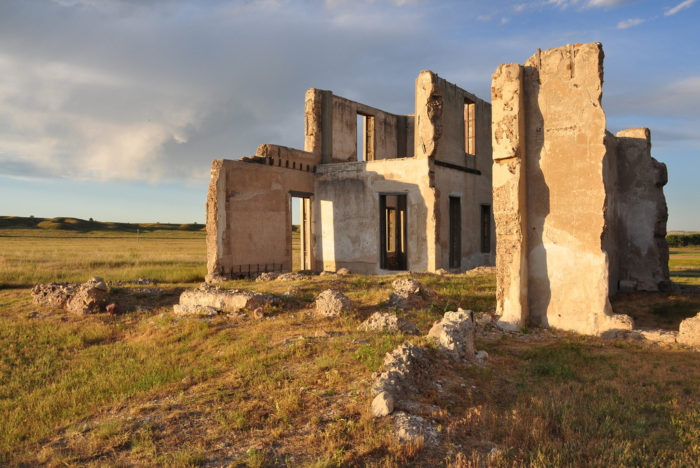 North American Moving >> Remnants Of An Abandoned Hospital In Wyoming