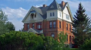 6 Haunted Houses In Montana That Will Terrify You In The Best Way