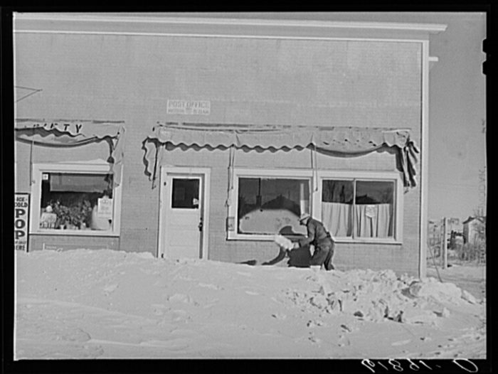 6. This post office in Mission, South Dakota was always open, rain or shine, or in this case, being snowed in!