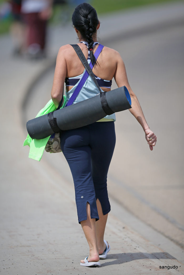 4. If you see someone carrying a yoga mat like a purse, it's quite possible they're from SoCal.