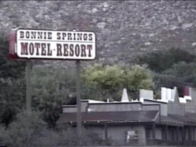 Bonnie_Springs_motel