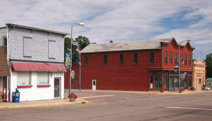 10 Small Towns In Minnesota Right Next To State Parks