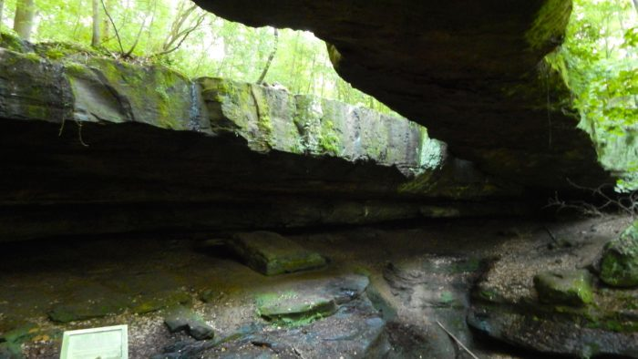 3. Rockbridge State Nature Preserve Loop (Rockbridge)