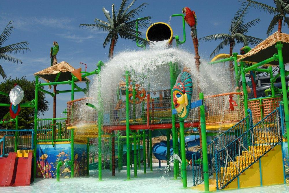 8 Of The Best Waterparks Near Dallas