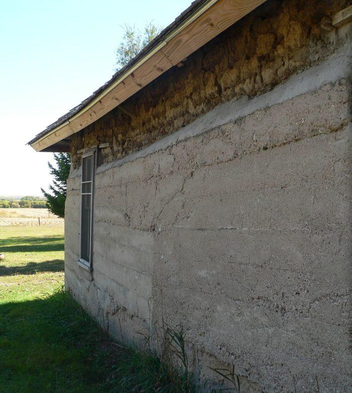 Dowse_sod_house_N_wall
