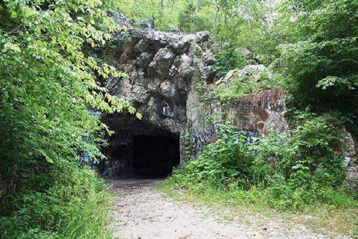 10. Bangor Cave - Blount County, AL