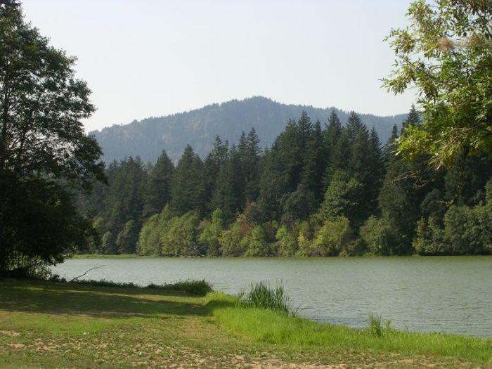 Lake-237352405