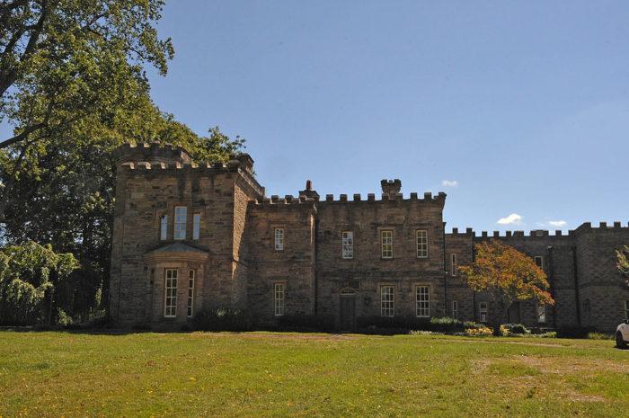 6. Melrose Castle