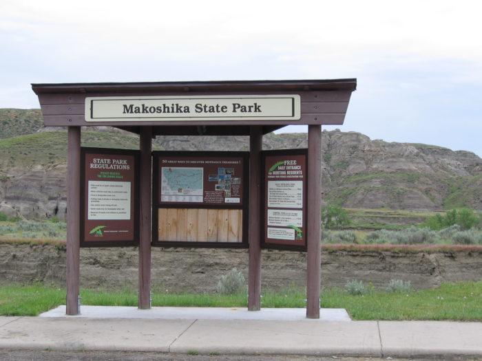 3. Visit Makoshika State Park.