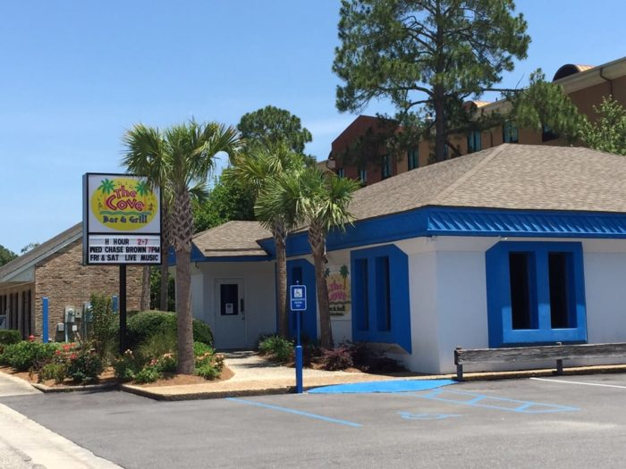 11. The Cove Bar & Grill - Gulf Shores
