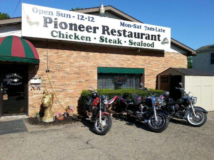 8. Pioneer Restaurant & Lounge - Brookville