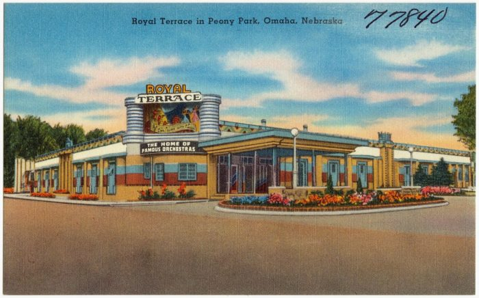 Royal_Terrace_in_Peony_Park,_Omaha,_Nebraska_(77840)