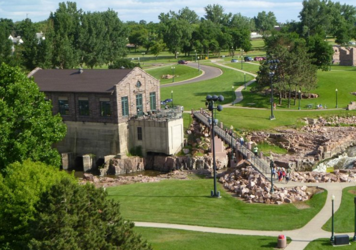 5. Falls Overlook Cafe - Sioux Falls