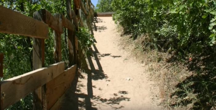 The beginning of the trail is steep and sandy.