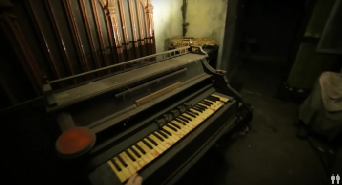 This video takes us through a haunted house attraction in the basement of an abandoned high school.