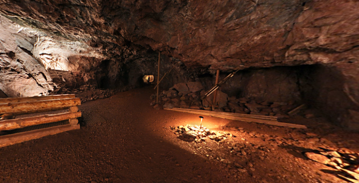 Another fascinating part of the mine is that it's estimated to be the home to between 8,000 and 12,000 bats.