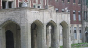Spend A Night At This Haunted Sanatorium In Kentucky If You Dare