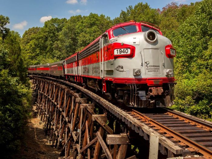 enjoy great food on this historic dinner train in kentucky