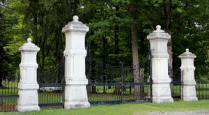 The Legend Behind New York's Gates Of Hell Is Incredibly Troubling
