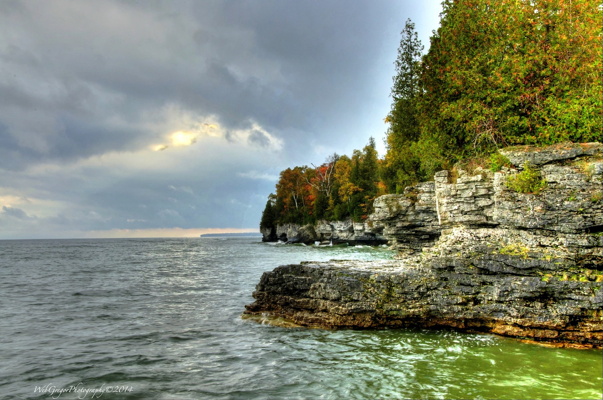 Cave Point Is An Awesome Wisconsin Sea Cave
