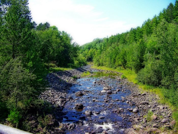 But the water gets its coloration not from the lava, but from the vegetation in the river.