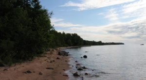 10 Easy Hikes To Add To Your Outdoor Bucket List In Wisconsin