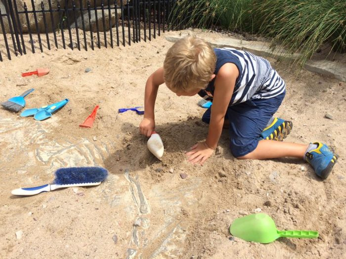 There are even places for kids to dig.