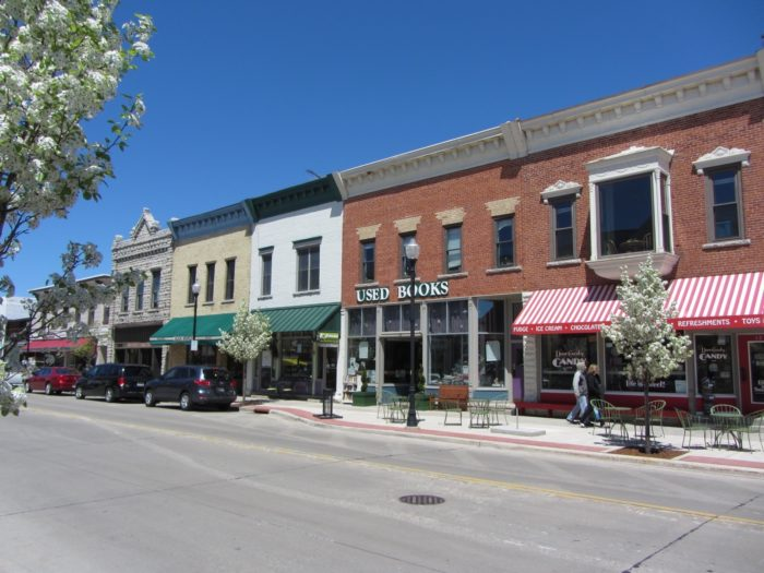 10 Small Wisconsin Towns With Great Little Shops