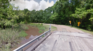 The Story Behind This Haunted Louisiana Bridge Will Give You Nightmares