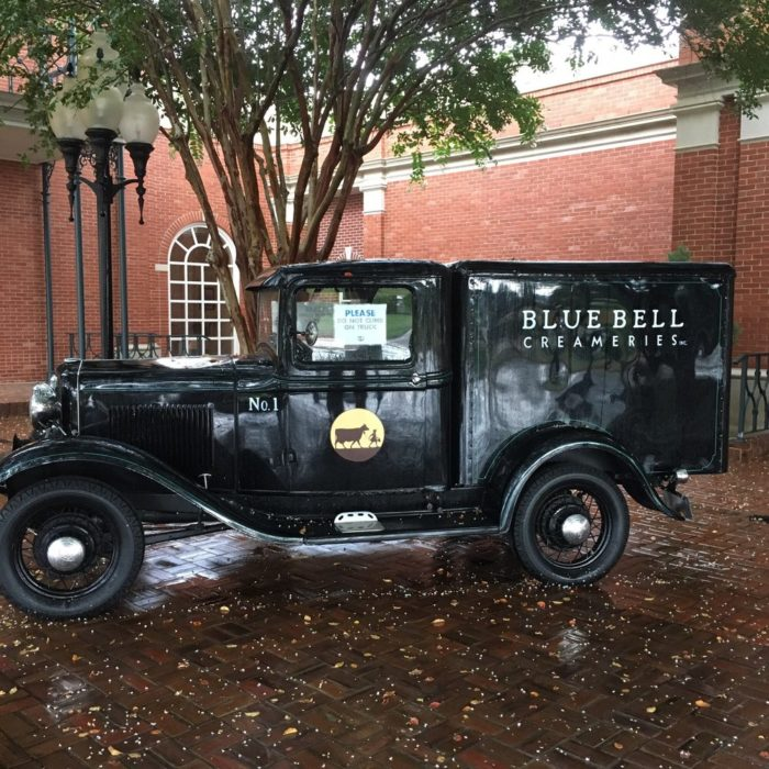 This is one of the old delivery trucks. Isn't it adorable?