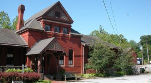 This Old Train Station In Maryland Is Now A Restaurant And It's Delightful