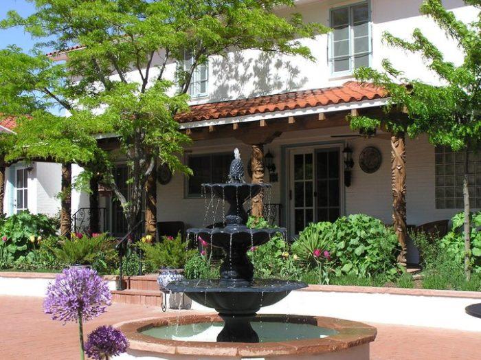 7. Casa Blanca Inn, 505 E La Plata Street, Farmington