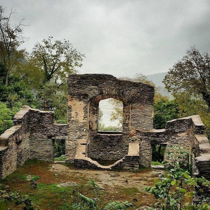The trail passes near the ruins of St. John's Episcopal Church.