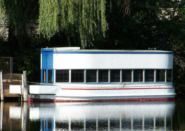 2. Glass Bottom Boat Ride at Fort Kearney Museum, Kearney