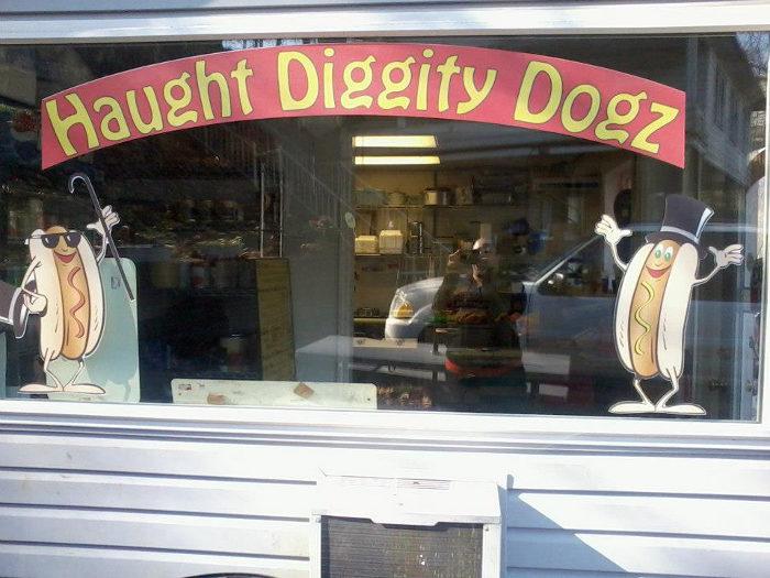 3. Haught Diggity Dogz, Morgantown