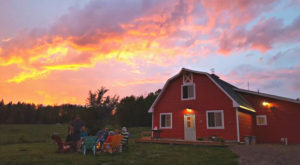 Stay At This Adorable Hostel In Minnesota For A New Kind Of North Shore Experience