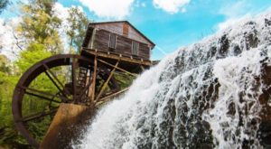 This Waterfall Swimming Hole In Mississippi Is Perfect For A Summer Day