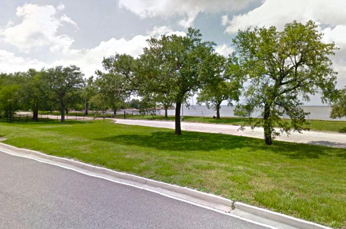 2. Lake Terrace and Oaks