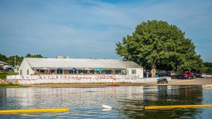 3. Louie's Lakeside Bistro & BBQ, Moravia
