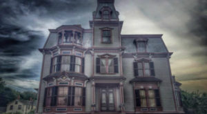 There's A Haunted House In Massachusetts That's So Terrifying You Have To Sign A Waiver To Enter