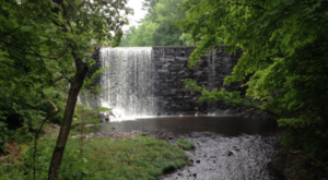 Massachusetts Has A Waterfall Pond That Will Be Your New Favorite Swimming Destination