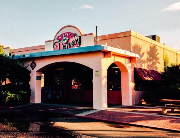 8. Nickel's Diner, Rio Rico