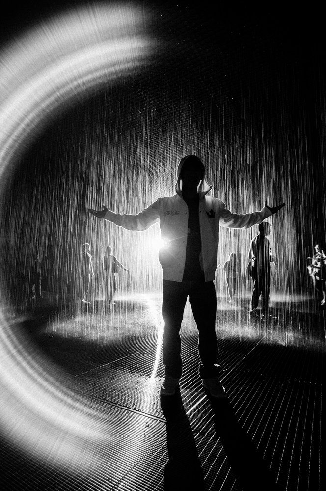 This sensorial exhibit of falling rain is designed to have the water pause in any area where a human body is detected. As you move, the falling rain pauses all around you.