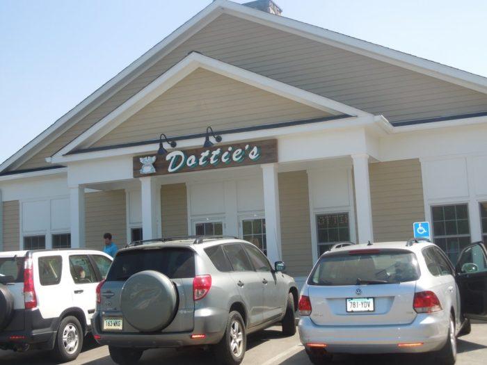 2. Dottie's Diner (Woodbury)
